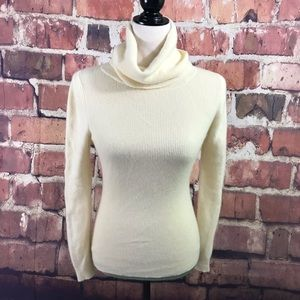 Sweaters - VNT 100% Cashmere Turtleneck Sweater women SM